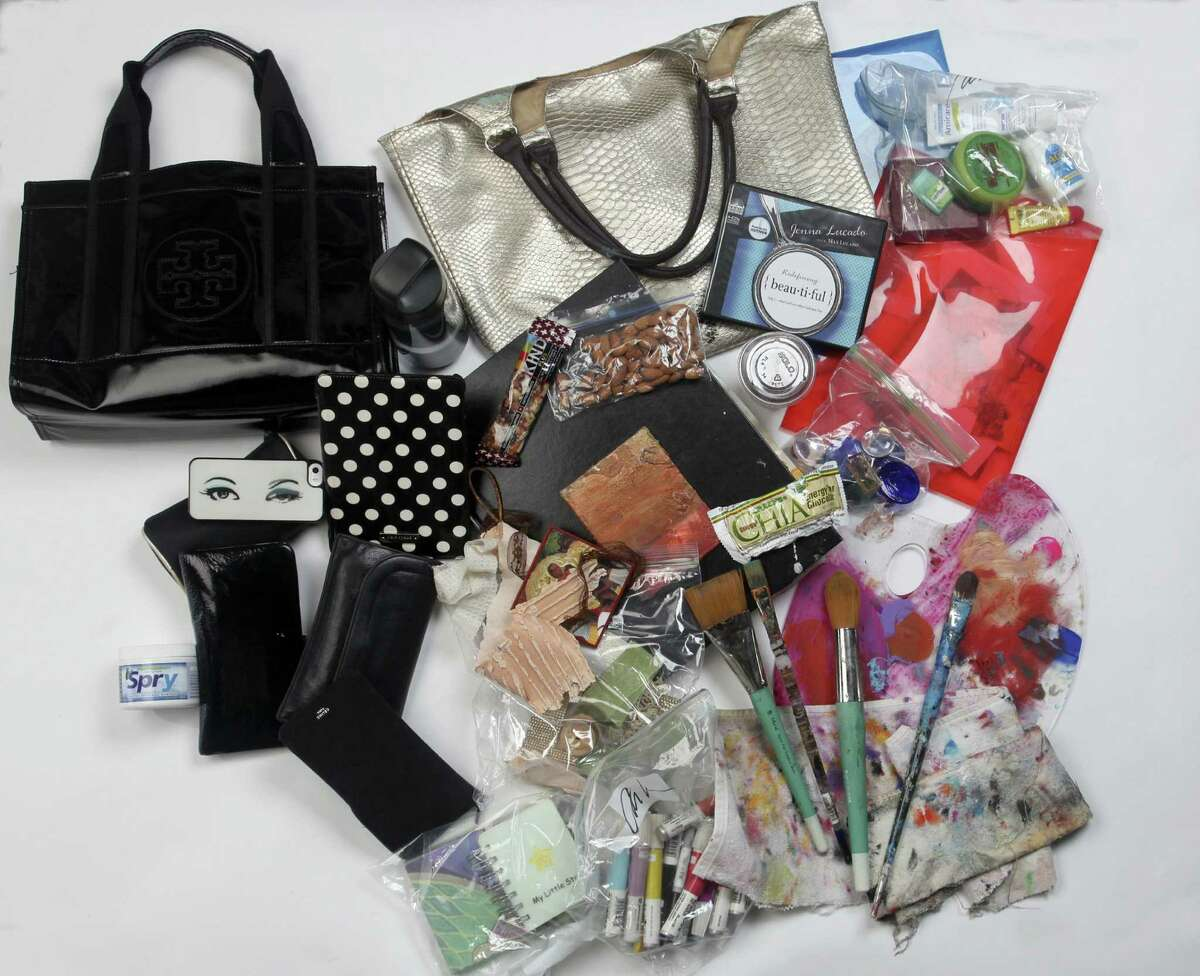 See-through Ziploc baggies help artist Véliz stay organized. She keeps her tools of the trade in one bag and essentials in another.