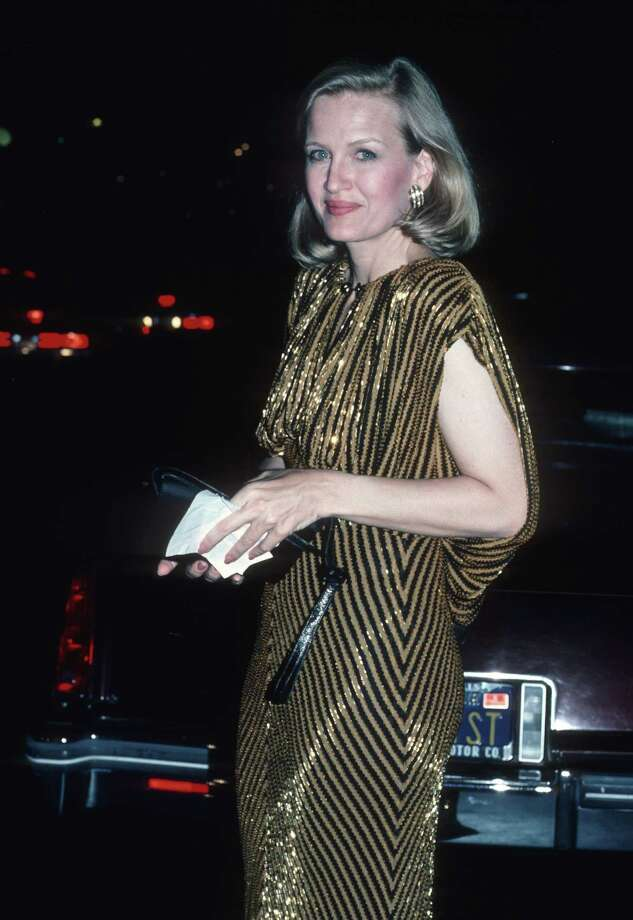 Diane Sawyer in some gold, '80s glamour (1986). Photo: Ron Galella, Ltd., Getty Images / Ron Galella Collection