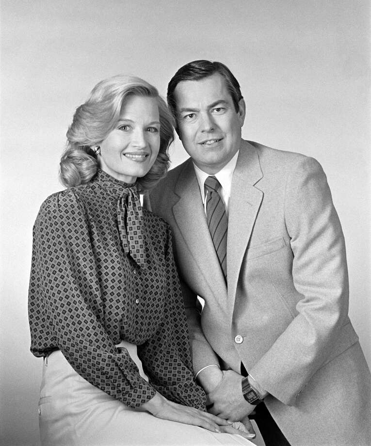Bill Kurtis, left, replaced Charles Kuralt as the CBS morning news co-anchor in 1982. He's pictured in an oddly intimate pose with co-anchor Diane Sawyer.  Photo: CBS Photo Archive, Getty Images / 1982 CBS Photo Archive