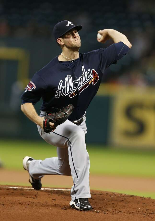 Atlanta's Alex Wood pitches during the first inning. Photo: Karen Warren, Houston Chronicle