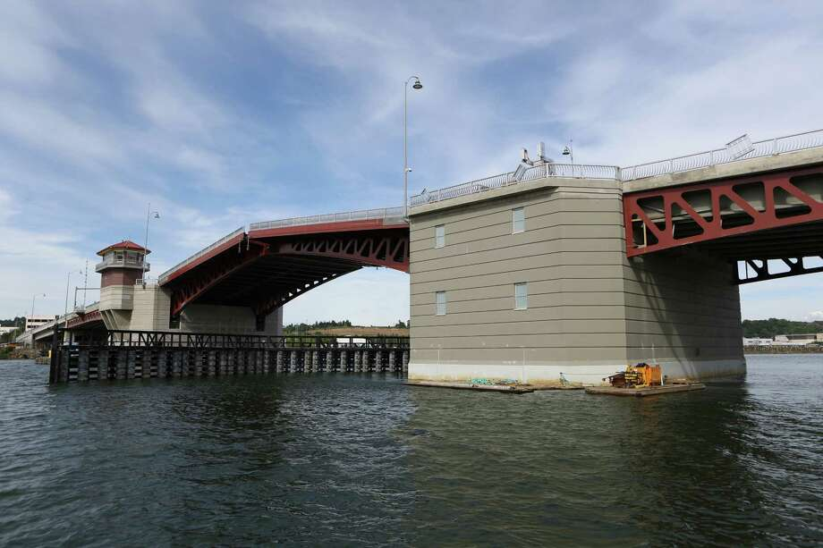 Now:The new 16th Avenue South Bridge is shown spanning the Duwamish.  Photo: JOSHUA TRUJILLO, SEATTLEPI.COM / SEATTLEPI.COM
