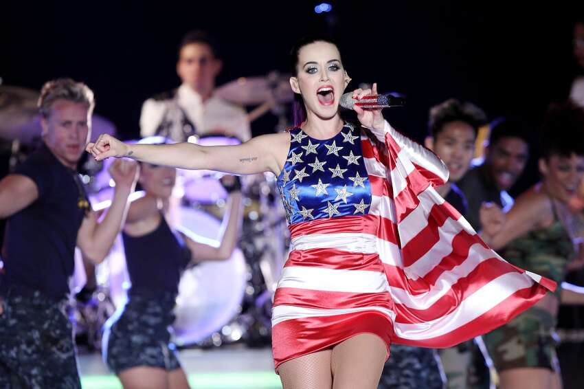 10. Katy Perry Average price: $262.92