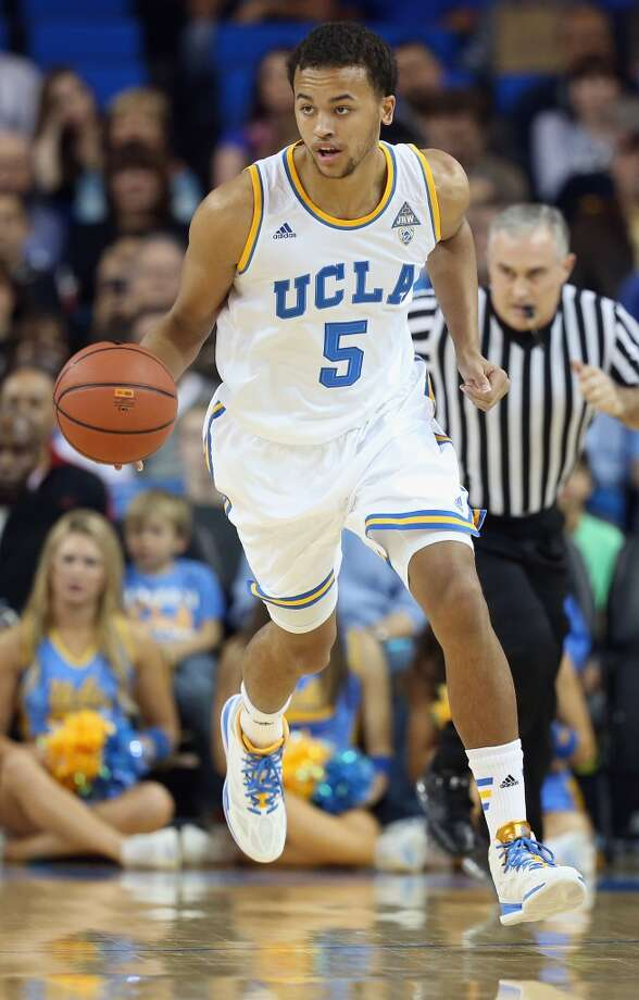 Kyle Anderson #5 of the UCLA Bruins drives against the California Golden Bears at Pauley Pavilion on January 26, 2014 in Los Angeles, California. Photo: Jeff Gross, Getty Images