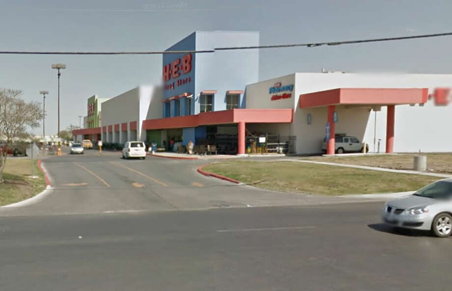 A man who was shot in the parking lot of an H-E-B on the Northeast Side later died, and an arrest has not been made in the case, records show. Photo: Google Streetview