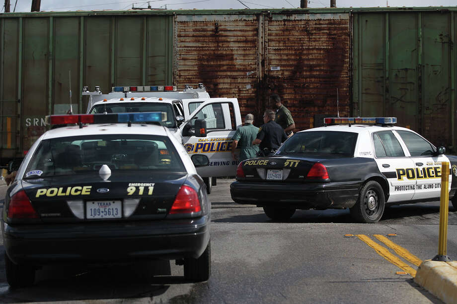 A man was killed Friday June 27, 2014 when he was hit by a westbound Union Pacific freight train near S. Presa and Boyer. San Antonio police asid the man was Hispanic ansd was in his late 30s or early 40s. Photo: JOHN DAVENPORT, San Antonio Express-News / ©San Antonio Express-News/John Davenport