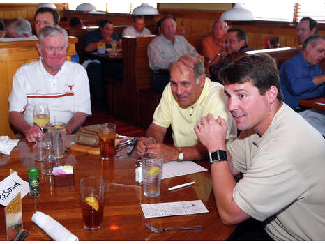 SPORTS -- FOR NATALIE ENGLAND -- Darrell Royal, Eddie Joseph, former Executive Director of the Texas High School Coaches Association and first-year Texas defensive coordinator Will Muschamp at the San Antonio Quarterback Club at the Outback Steakhouse on San Pedro Avenue.    Monday June 2, 2008. Photo: ROBERT MCLEROY, SPECIAL TO THE EXPRESS-NEWS / SAN ANTONIO EXPRESS-NEWS