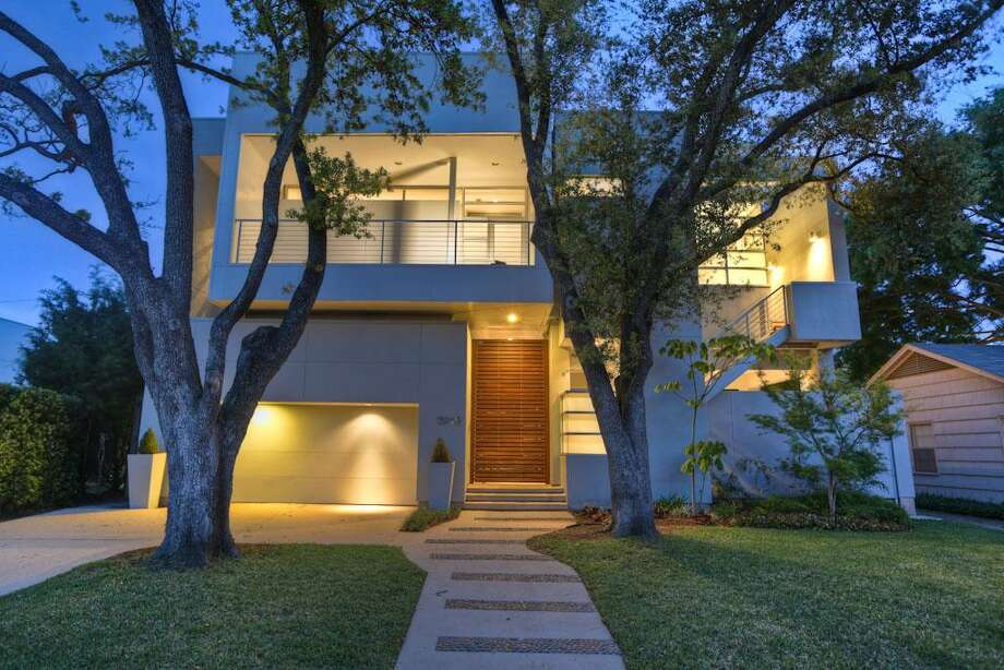 3215 Virginia: This 2006 home in Houston has 3-4 bedrooms, 3.5 bathrooms, 3,777 square feet, and is listed for $1,525,000. Open house: June 29, 2014 from 2 p.m. to 4 p.m. Photo: Houston Association Of Realtors