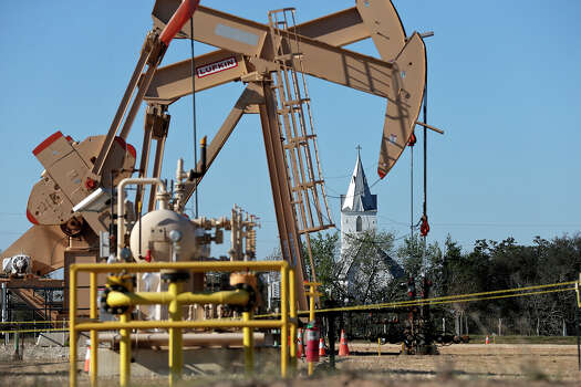 Rounding the top five counties is Andrews County with an estimated output of 2.8 million barrels a month. Photo: San Antonio Express-News / ©2013 San Antonio Express-News
