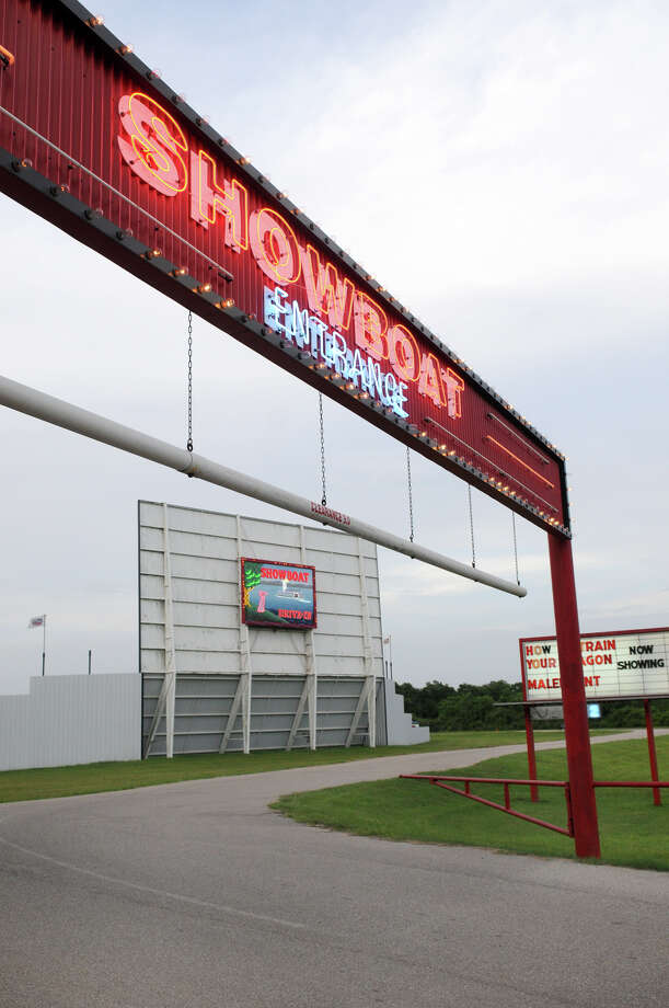 Pearland Could Be Home To A Drive In Movie Theater By Next Summer