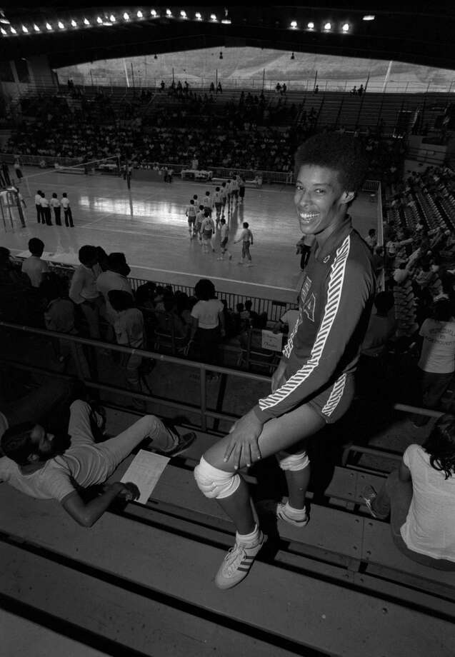 Flo Hyman, 6-foot-5 of the U.S Women's Volleyball Squad in San Juan, July 6, 1979. (AP Photo) / AP1979