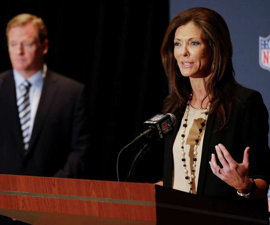 Education about the benefits of football — despite its inherent dangers — has been an important initiative of NFL Foundation Chair Charlotte Jones Anderson (right) and league commissioner Roger Goodell. Photo: Associated Press / AP