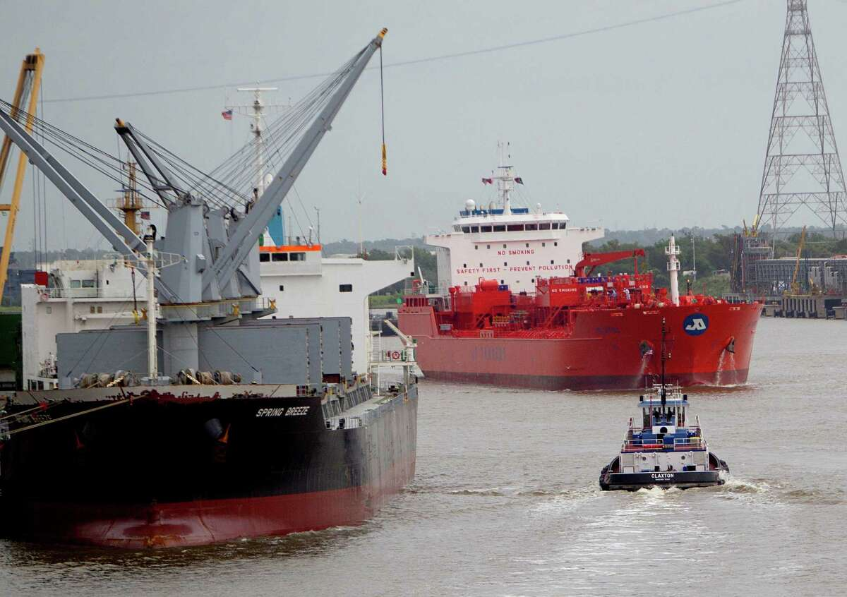 Ships, tugs and barges share the Houston Ship Channel in one of the busiest ship waterways in the world. Houston pilots collect-ively make about 18,000 trips in and out of the channel each year, while port officials review an average of eight accidents a year.