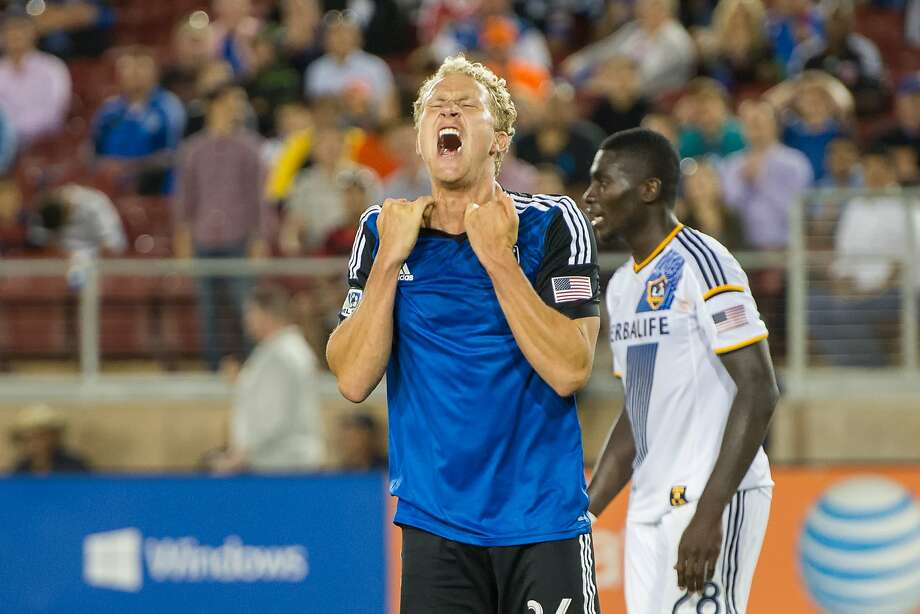 The Quakes' Steven Lenhart reacts after Jaime Penedo (not pictured) stopped his header off a corner kick for the potential equalizer in the 88th minute. Photo: David Bernal, Dave Bernal/ISIPhotos