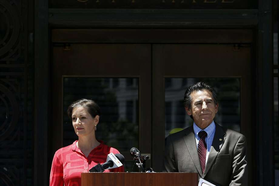 Oakland City Councilwoman Libby Schaaf, shown with Councilman Noel Gallo, is pushing for a rainy-day fund. Photo: Michael Short, The Chronicle