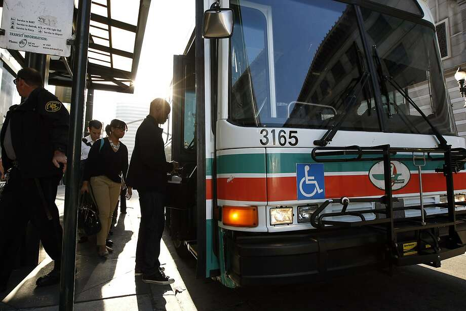 AC Transit is eliminating 25-cent transfers for unlimited-use day passes for $5 as of Tuesday. Photo: Michael Short, The Chronicle