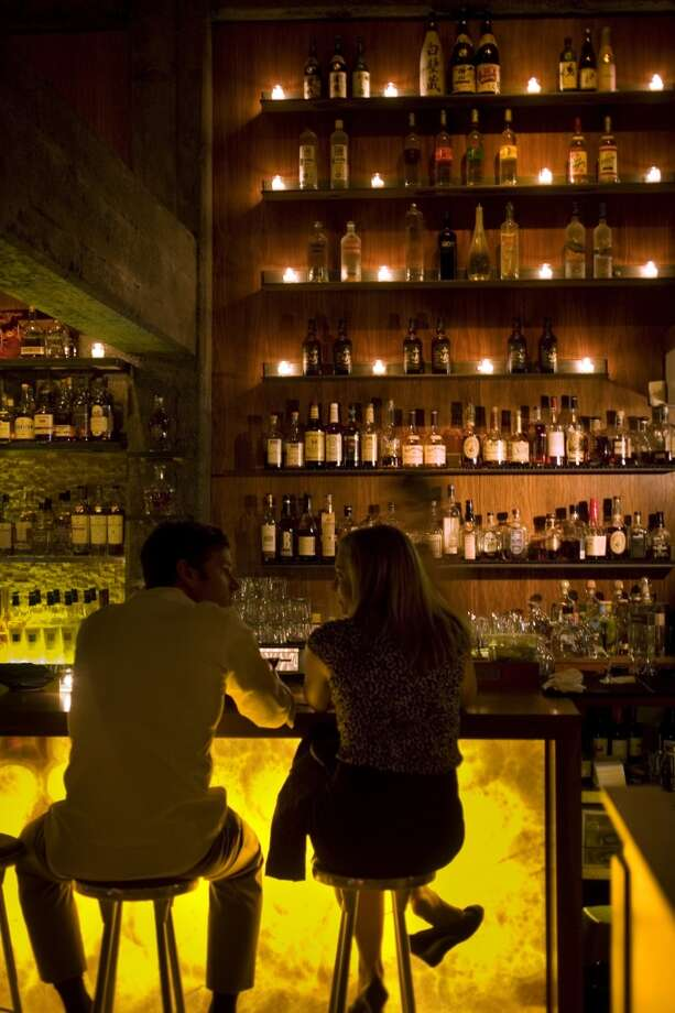 The city has lots of classic bars, and plenty of events for singles to meet and mingle. Photo: Craig Lee, The Chronicle