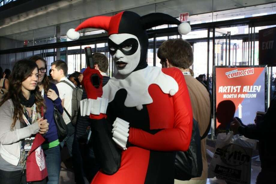 Harley Quinn 2This costume stays true to the original. We appreciate that. You were actually trying.  Photo: Http://collider.com/cosplay-new-york-comic-con-images/