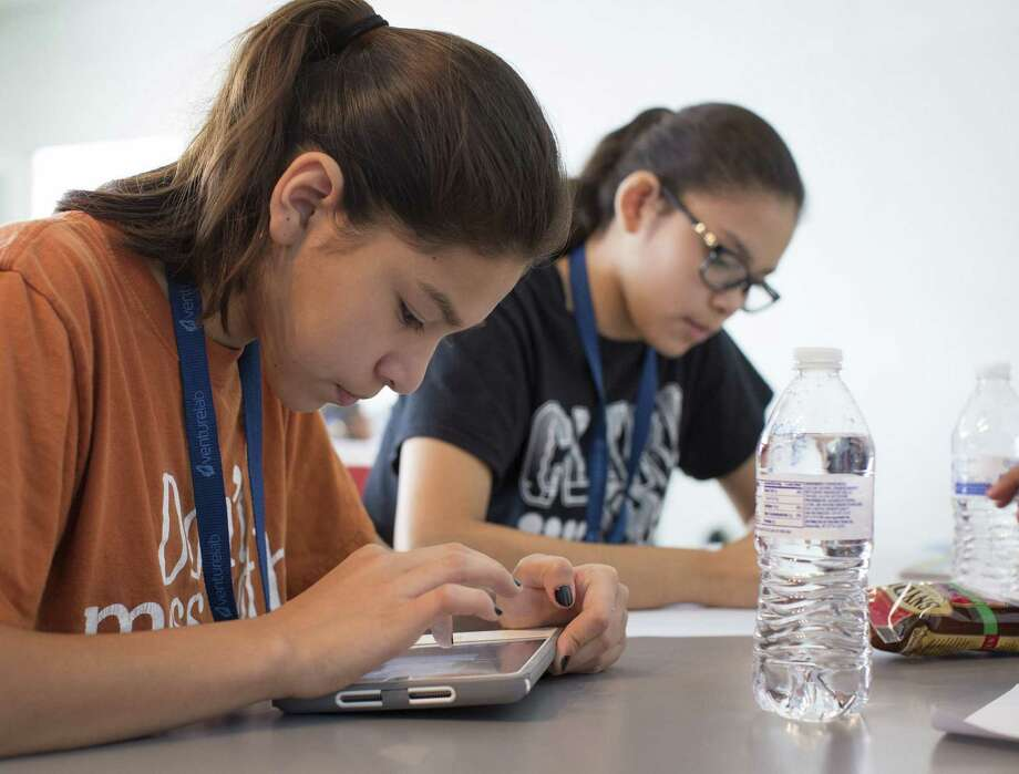 VentureLab is an entrepreneurship academy that teaches girls how to think critically and create. Photo: Courtesy Josh Huskin / DA Media, LLC. All rights reserved.