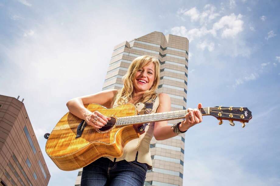 Country music recording artist Mary Sarah will perform Thursday  at the Mucky Duck Photo: Eric Kayne / Eric Kayne