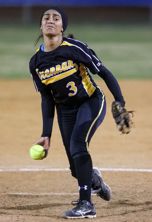 Iliana Martinez of Brennan, seen here in March, was named Newcomer of the Year. / Express-News 2014