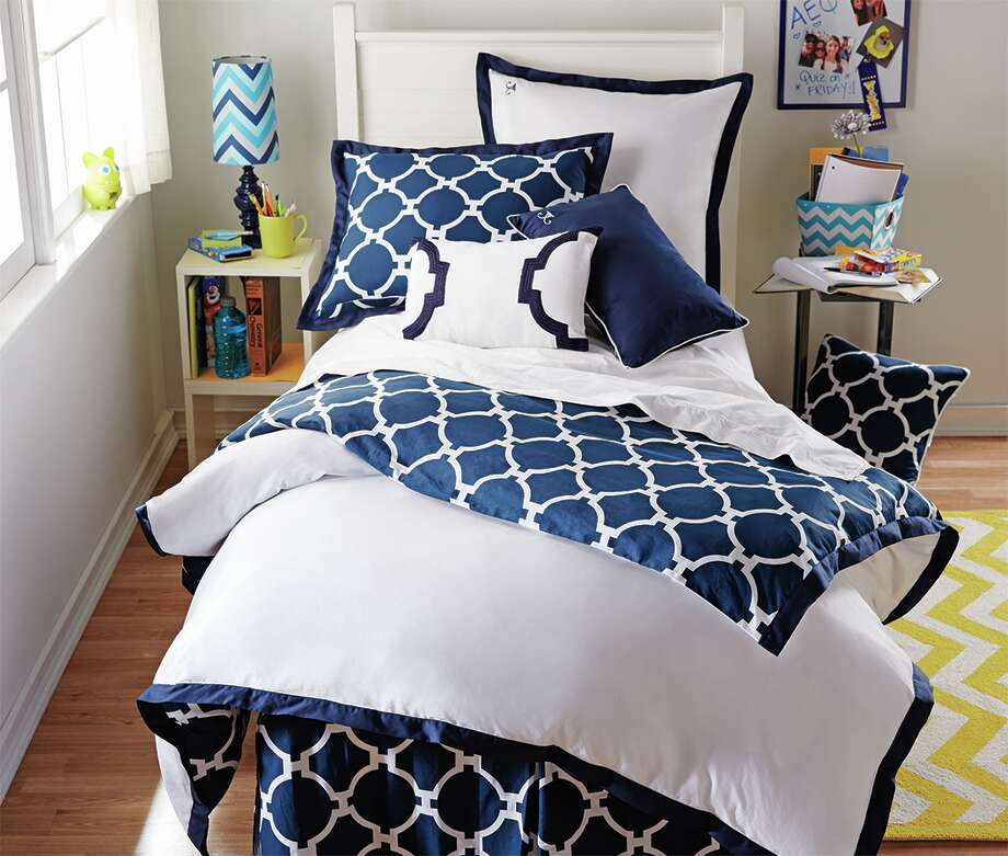 Bed Bath & Beyond, Jill Rosenwald Hampton Links Reversible Duvet Cover ($79.99, Twin/Twin XL). Photo: Courtesy Bed Bath & Beyond