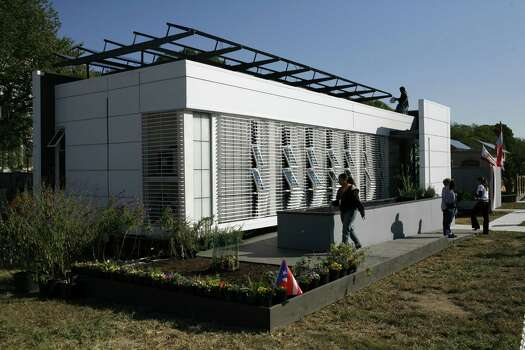 "The solar powered home built and designed by the University of Puerto Rico at the ""Powered by the Sun 2007 Solar Decathlon"" on the National Mall in Washington Saturday, Oct. 13, 2007. Photo: Lawrence Jackson, AP Photo/Lawrence Jackson / AP"