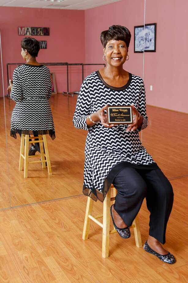 Bettie Louis of Pearland displays the Miss Texas Pageant Woman of Achievement Award for 2014 at Sheila Milner's dance studio, Dance Zone. Milner is Louis' daughter. Photo: Diana L. Porter, Freelance / © Diana L. Porter