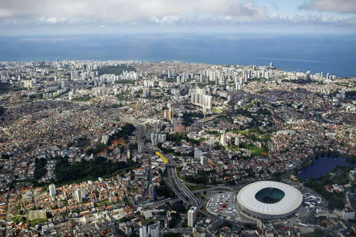 California = Brazil GDP: $2,202,678 - $2,242,000
