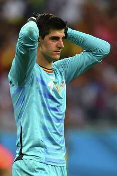 SALVADOR, BRAZIL - JULY 01: Thibaut Courtois of Belgium reacts during the 2014 FIFA World Cup Brazil Round of 16 match between Belgium and the United States at Arena Fonte Nova on July 1, 2014 in Salvador, Brazil. Photo: Jamie McDonald, Getty Images / 2014 Getty Images