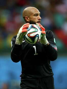 SALVADOR, BRAZIL - JULY 01: Goalkeeper Tim Howard of the United States controls the ball during the 2014 FIFA World Cup Brazil Round of 16 match between Belgium and the United States at Arena Fonte Nova on July 1, 2014 in Salvador, Brazil. Photo: Michael Steele, Getty Images / 2014 Getty Images