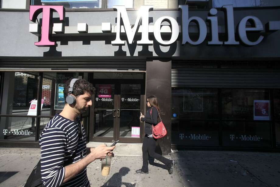 T-Mobile billed customers for services even after it received complaints about scams, the FTC says. Photo: Mark Lennihan, Associated Press