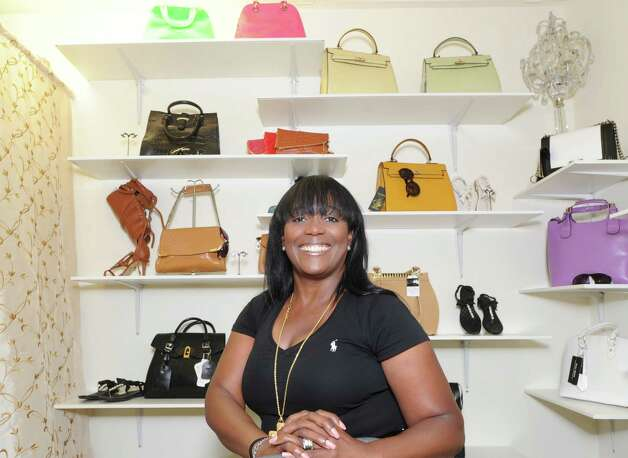 Clothing stores online. Diva clothing store