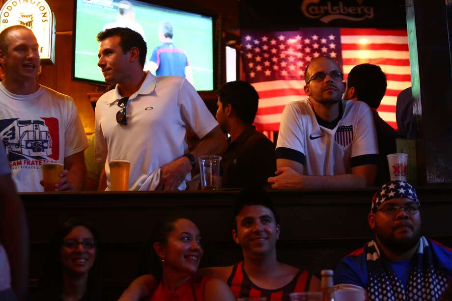 Team USA gathered at Lucky's Pub to support the USMNT in a tense match against Belgium Photo: Marie D. DeJesus / Houston Chronicle