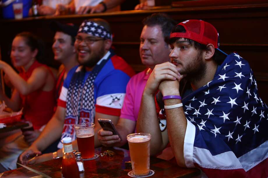 Team USA fans at Lucky's Pub Photo: Marie D. DeJesus / Houston Chronicle