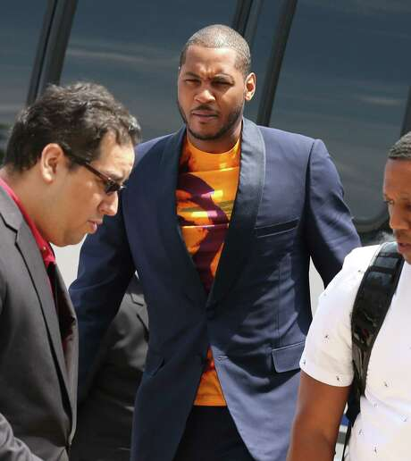 Carmelo Anthony arrives at the United Center to meet with Bulls coaches and players, who want the Knicks free agent to join their team. Photo: Phil Velasquez / McClatchy-Tribune News Service / Chicago Tribune