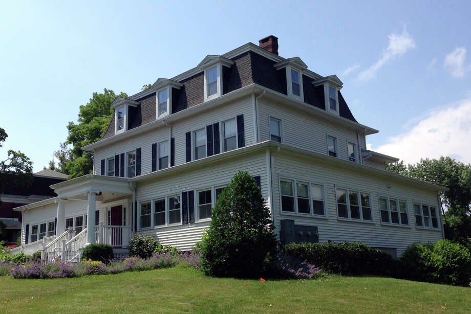 Ridgefield Planning and Zoning Commission has approved demolition of the historic building at 27 Governor Street, once the home of Gov. Phineas Lounsbury. Ridgefield Visiting Nurse Association recently purchased the property, and plans to build its new headquarters there. Photo: File Photo / Connecticut Post File Photo
