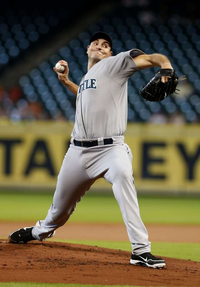 Mariners starting pitcher Chris Young works during the first inning. Photo: Karen Warren, Houston Chronicle