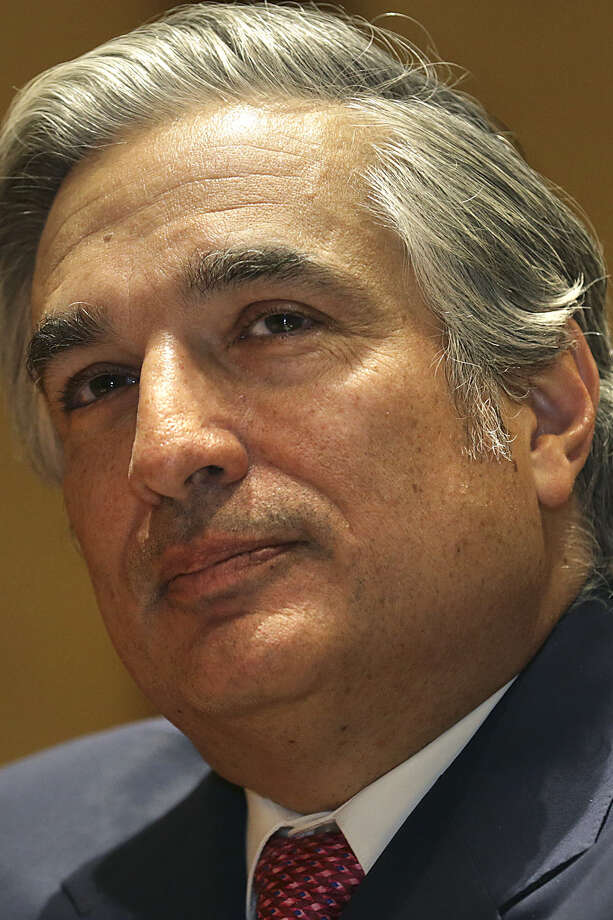 UT System Chancellor Francisco Cigarroa is also resigning. / ©2013 San Antonio Express-News