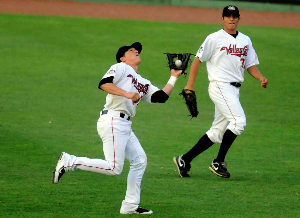 Enrique Hernandez was the starting second baseman for the ValleyCats during their New York-Penn League championship season in 2010. Photo: Michael P. Farrell, ALBANY TIMES UNION / 00009270T