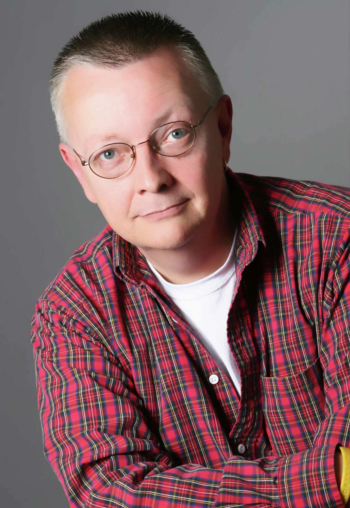 An upstate New York native, Chip Coffey is an internationally acclaimed psychic, medium and paranormal investigator, speaker and writer. He is known for hosting