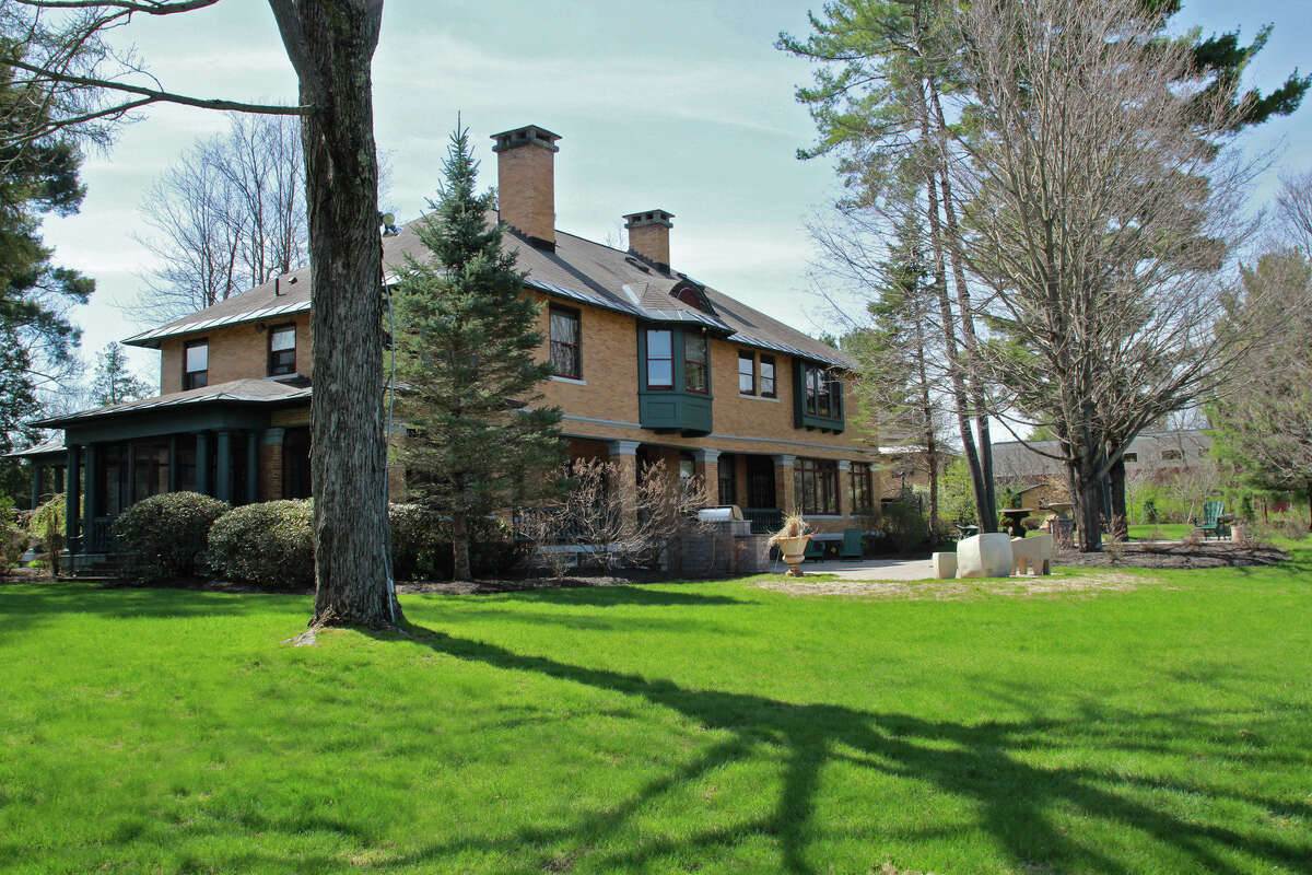 House of the Week: 55 Myrtle St., Saratoga Springs   Realtor: Julie Bonacio and Mara King of Roohan Realty   Discuss: Talk about this house