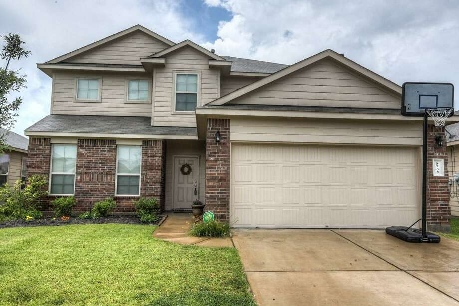8738 Auburn Mane: This 2011 home in Tomball has 4 bedrooms, 2.5 bathrooms, 2,530 square feet, and is listed for $199,900. Open house: July 6, 2014 from 2 p.m. to 5 p.m. Photo: Houston Association Of Realtors