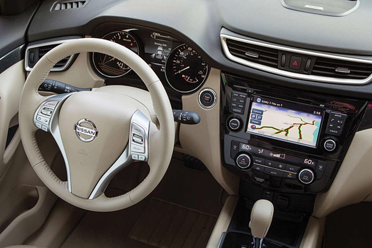 2014 Nissan Rogue SV AWD (photo courtesy Nissan)