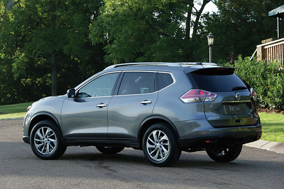 2014 Nissan Rogue SV AWD (photo courtesy Nissan)