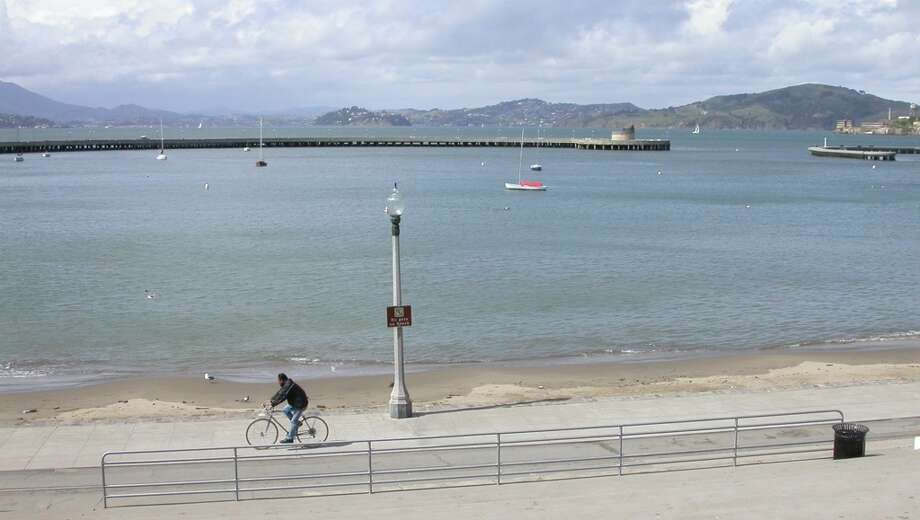 4. Golden Gate Promenade provides beach, waterfront, views Photo: Tom Stienstra, The Chronicle
