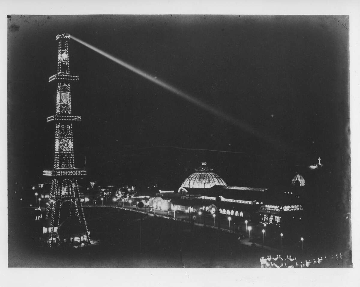 Electric Tower at night with search light shining on Prayer Book Cross, Golden Gate Park. California Midwinter International Exposition, San Francisco, 1894 Photo courtesy of Fine Arts Museums of San Francisco