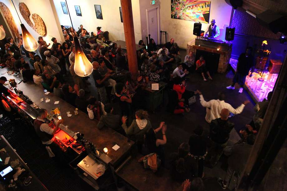 The Era Art Bar and Lounge at 19 Grand Ave. in Oakland will host authors and their admirers at the Beast Crawl literary festival. Photo: Raheleh Zomorodinia