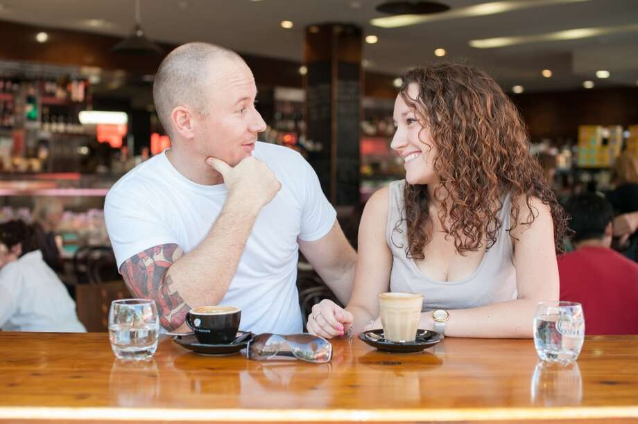 Last minute offersDon't automatically turn down a last minute date offer. If you're free and you want to see the person allow yourself to go in spite of whatever fears you have that this makes you look too available. Last minute dates are sometimes the best kind because they're without too many built up expectations. Photo: Getty Images