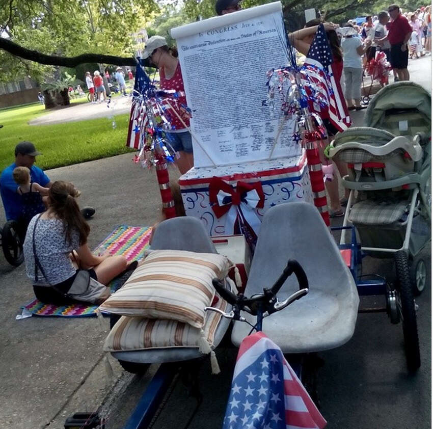 Another cool entry at today's Terrell Hills parade.