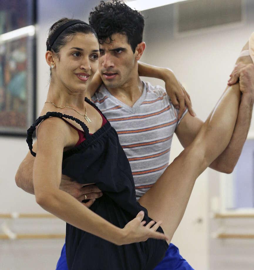 Dancers David Martinez and Vanessa Hadair rehearse for the Ballet Latino de San Antonio show this month. Photo: Tom Reel / San Antonio Express-News